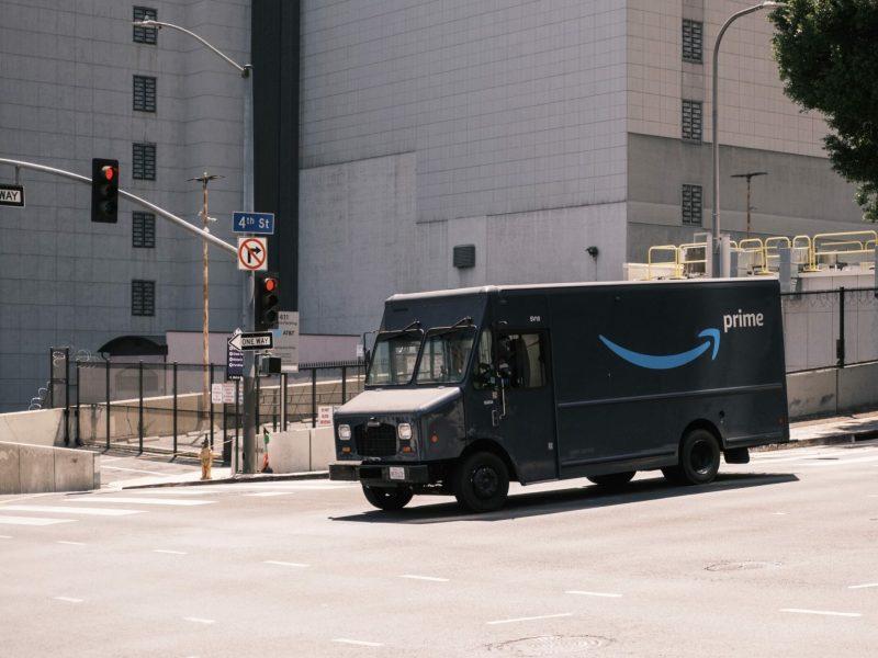 Amazon Prime Lieferung Lkw Head