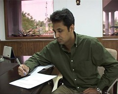 Talat Hussain popular Pakistani journalist