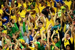 High Average Attendance at the World Cup in BrazilA Look at the Huge Audience in FIFA 2014's Stadium A Look at the Huge Audience in FIFA 2014's Stadium