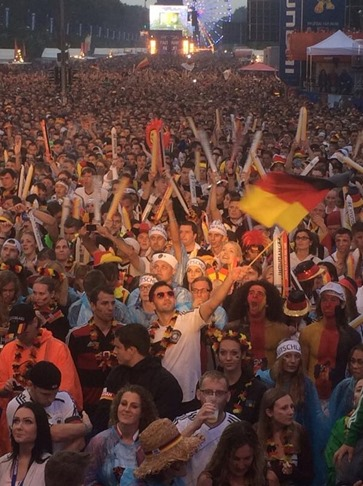 cROWD in FIFA 2014