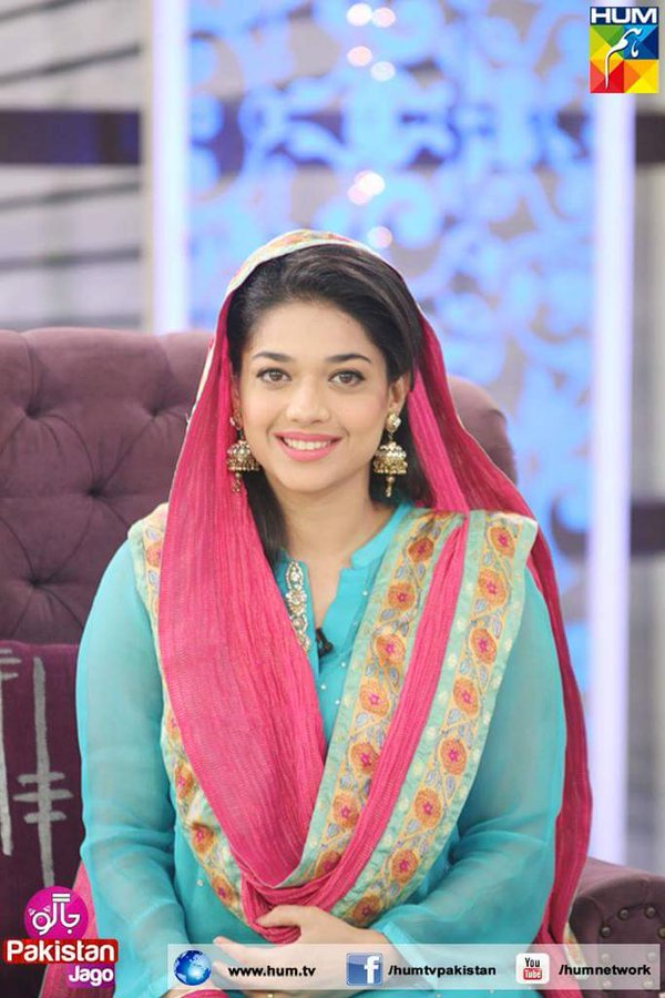 how-much-hum-tv-pays-sanam-jung-for-morning-shows