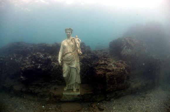 Bay Of Naples, Italy: Roman Ruins