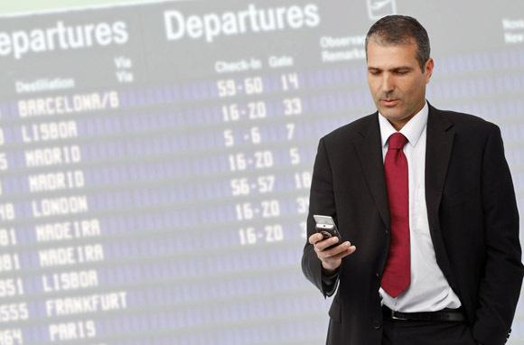 Taking Advantage Of Flight-Tracking Apps