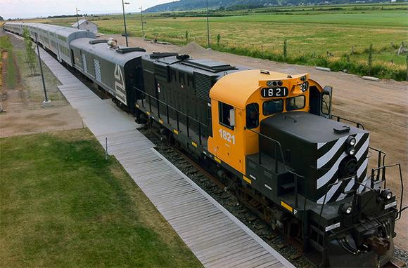 Le Train Du Massif De Charlevoix, Quebec