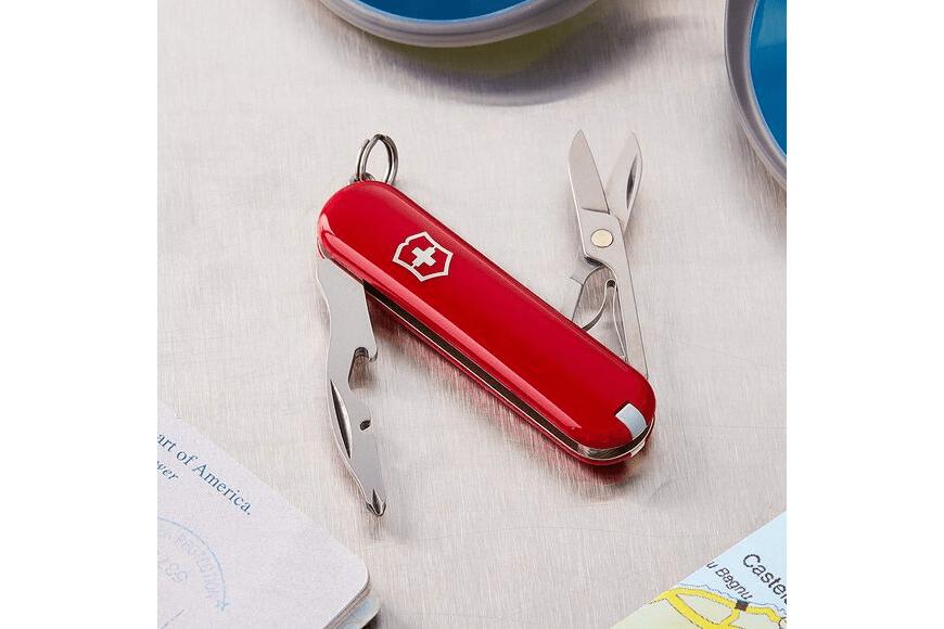 Victorinox jetsetter pocket tool.
