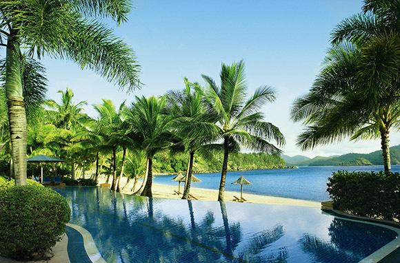 Beach Club Hotel, Australia