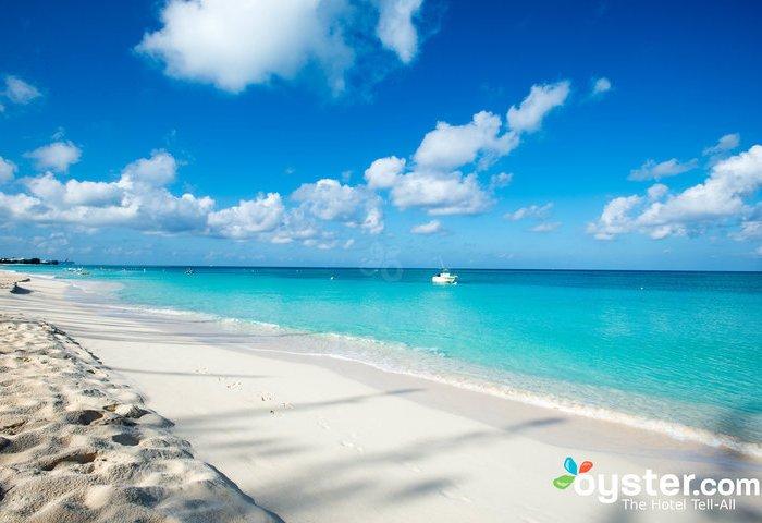 8 Cheap Retreats on the World's Most Famously Beautiful Beaches