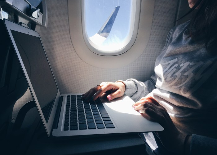 Four Airlines See Laptop Ban Lifted