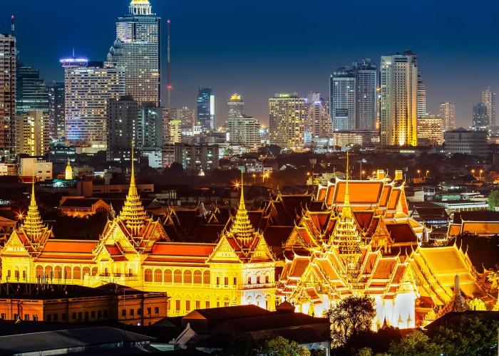 bangkok grand palace at night.