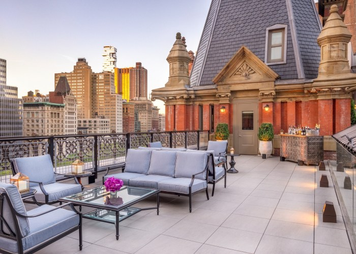 Terrace of the Beekman Turret Penthouse with Manhattan skyline