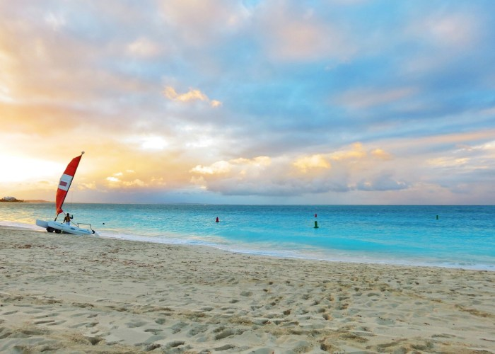 grace bay sunset turks and caicos
