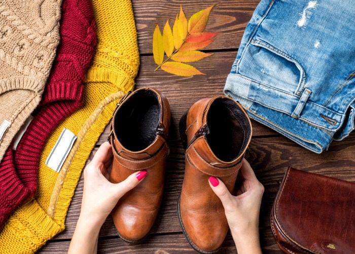 leaf boots sweater jeans fall clothes