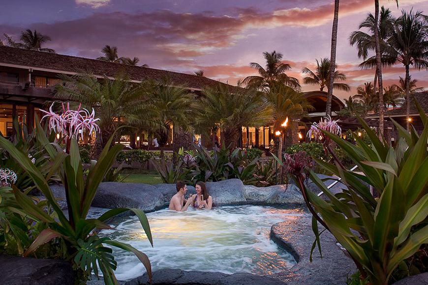 Ko'a Kea Hotel & Resort lava rock whirlpool