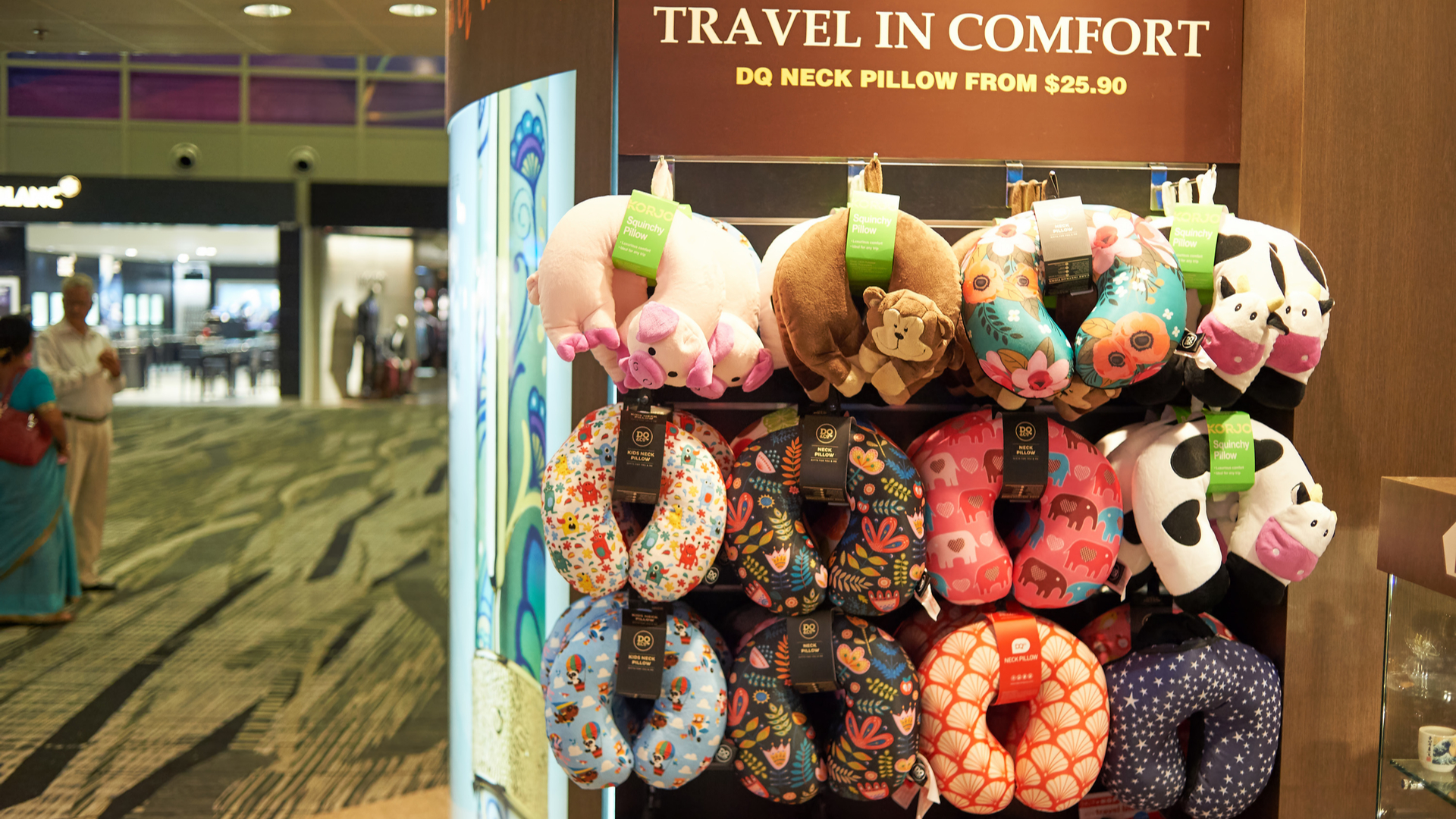 things you should never buy at the airport