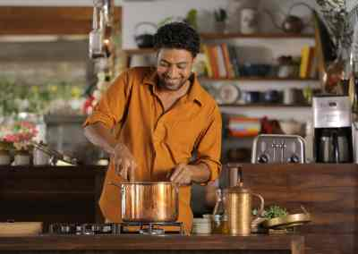 Indian Celebrity Chef Cooks Up Traditional Grains and Fair Prices for Farmers