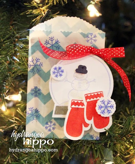 Glassine Bag made into gift card holder #SmartFunDIy #Giftcards #GiftWrap #CardMaking #paperCrafts