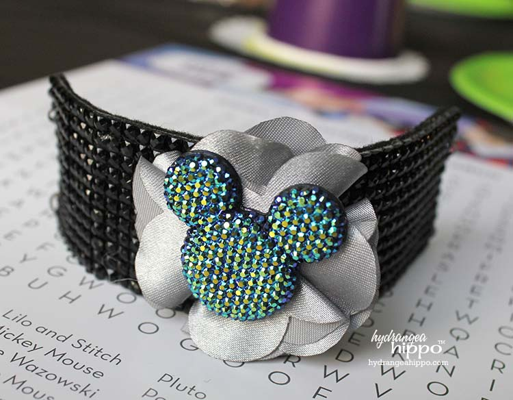 Create a stunning blingy cuff bracelet with a Mickey Mouse head and the Buckle Boutique bling sheets. Jennifer Priest shares hw to make this Sizzix Bracelet for the Disneyland 60th Anniversary celebration.
