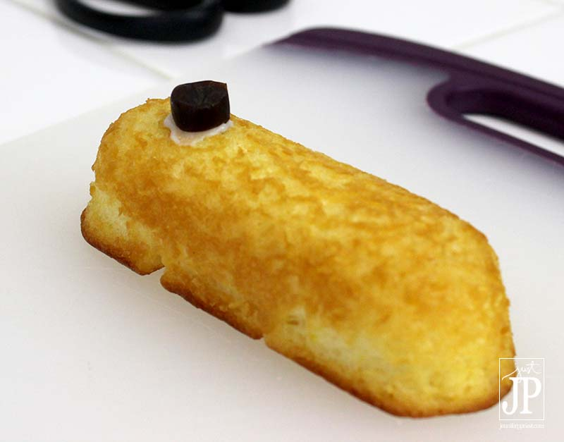 Minions Twinkie - Step 1 by Katie Priest JPriest