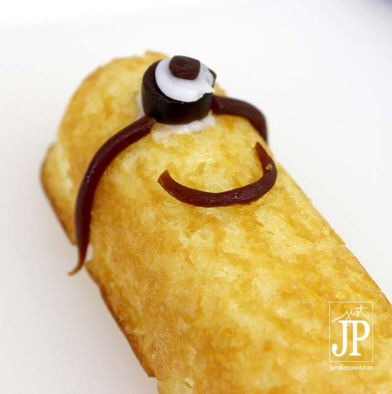 Minions Twinkie - Step 3 by Katie Priest JPriest