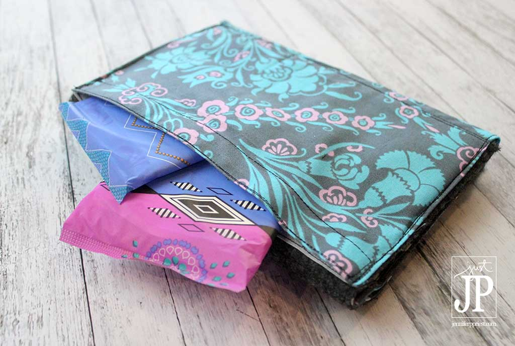Notebook with Secret Compartment for Pads - CycleSurvival Kit with Kotex JPriest MAKE THIS - DIY Notebook Cover with secret pocket for pads! Perfect for teens and college girls when they have period and for every day. VIDEO TUTORIAL!