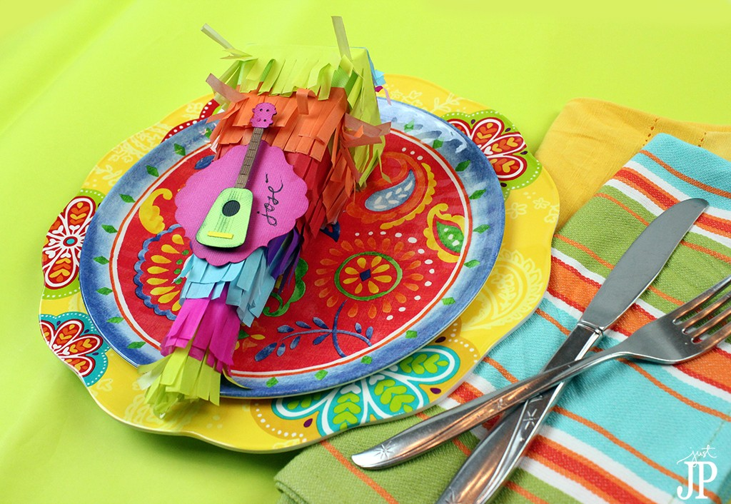 Pinata-Box-2---Placecard-for-Dinner-Party---Mexican-Independence-Day---Sizzix-eclips2---JPriest