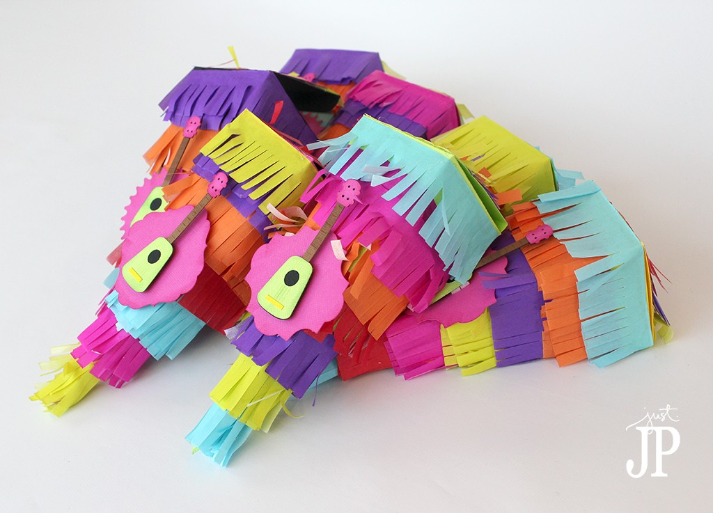 Pinata-Favor-Box-for-Party-with-Ukele---Sizzix-eclpis2---JPriest