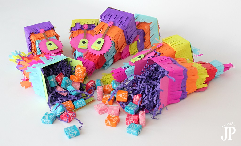 Pinata-Favor-Boxes-filled-with-candy-Jpriest