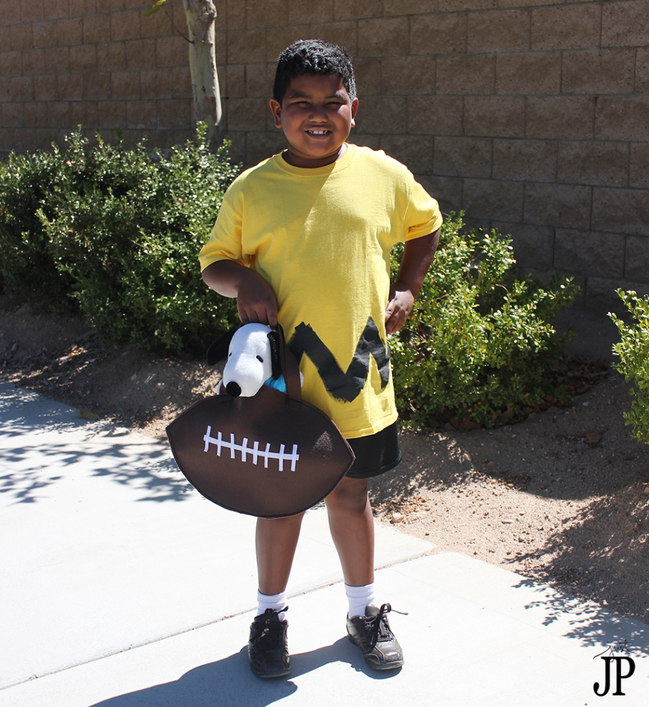 Charlie-Brown-Costume-with-FootBall-Treat-Bag-JPriest-1