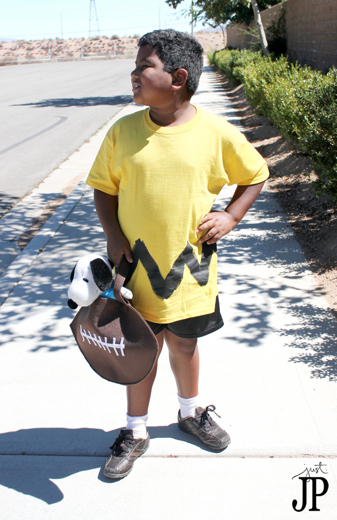 Charlie-Brown-Costume-with-FootBall-Treat-Bag-JPriest-2