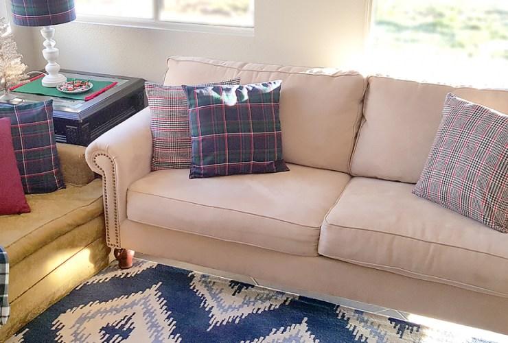 DIY Plaid Pillow Covers – Mad for Plaid #Plaid