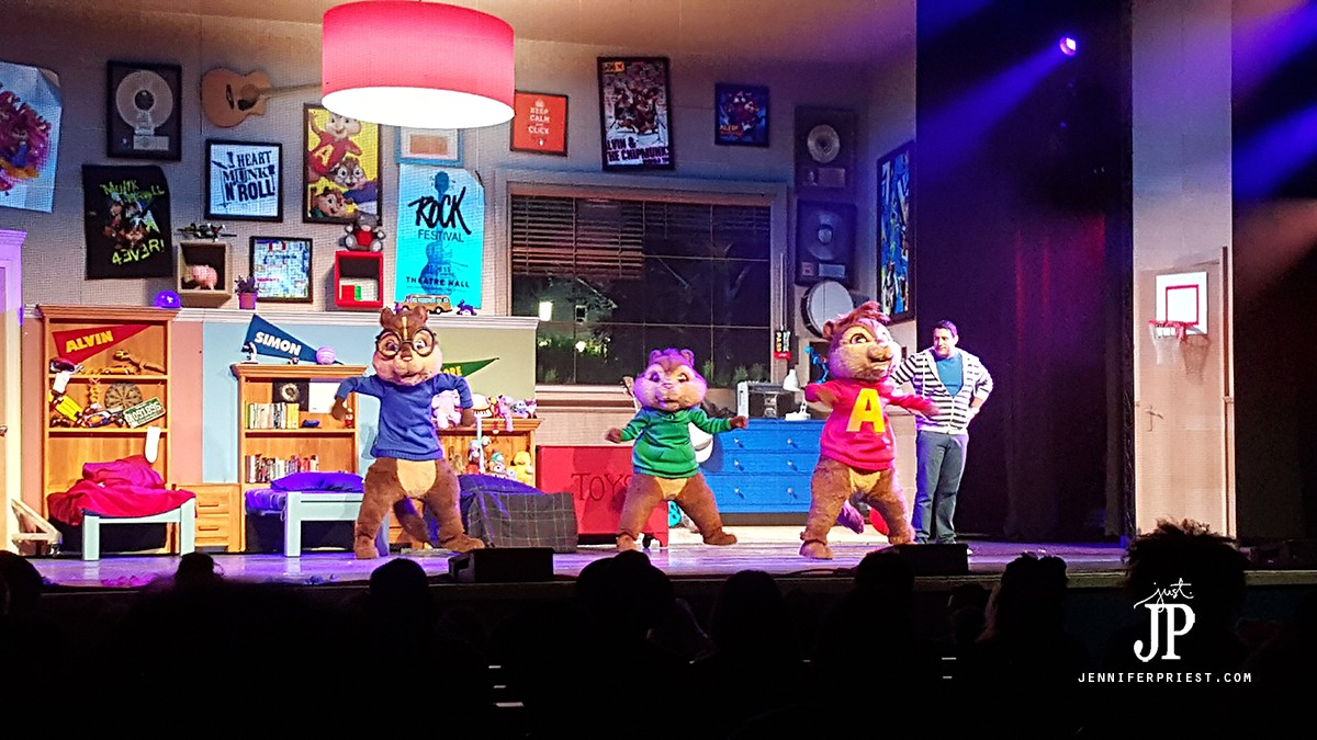 Alvin-and-the-Chipmunks-LIVE-Grove-Anaheim-JPriest