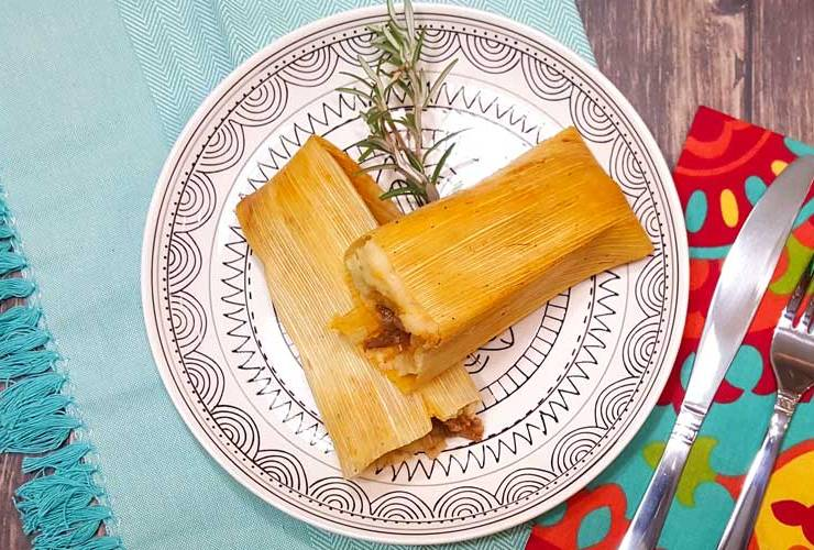 EASY Chicken Tamales Recipe and Pork Tamales for Las Posadas with HERDEZ #MisPosadas #LasPosadas