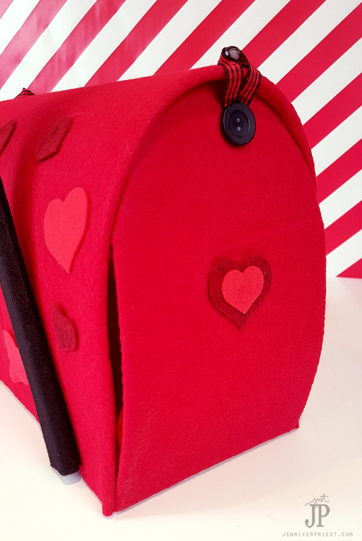 DIY-Valentine-Mailbox-with-Smoothfoam-Jennifer-Priest---FRONT2