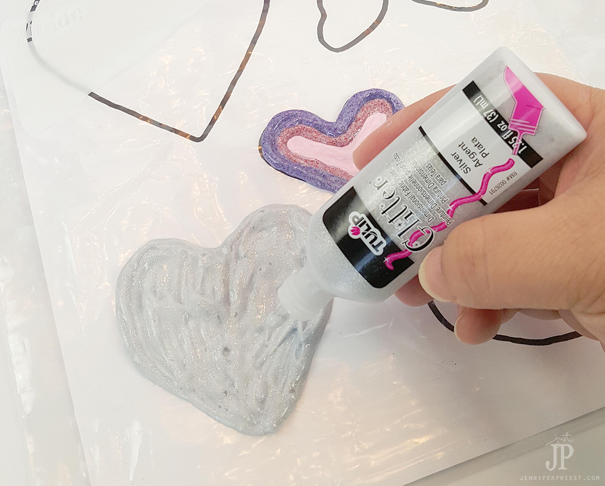 Easy Valentine's Day kids craft - great for classroom Valentine Parties!