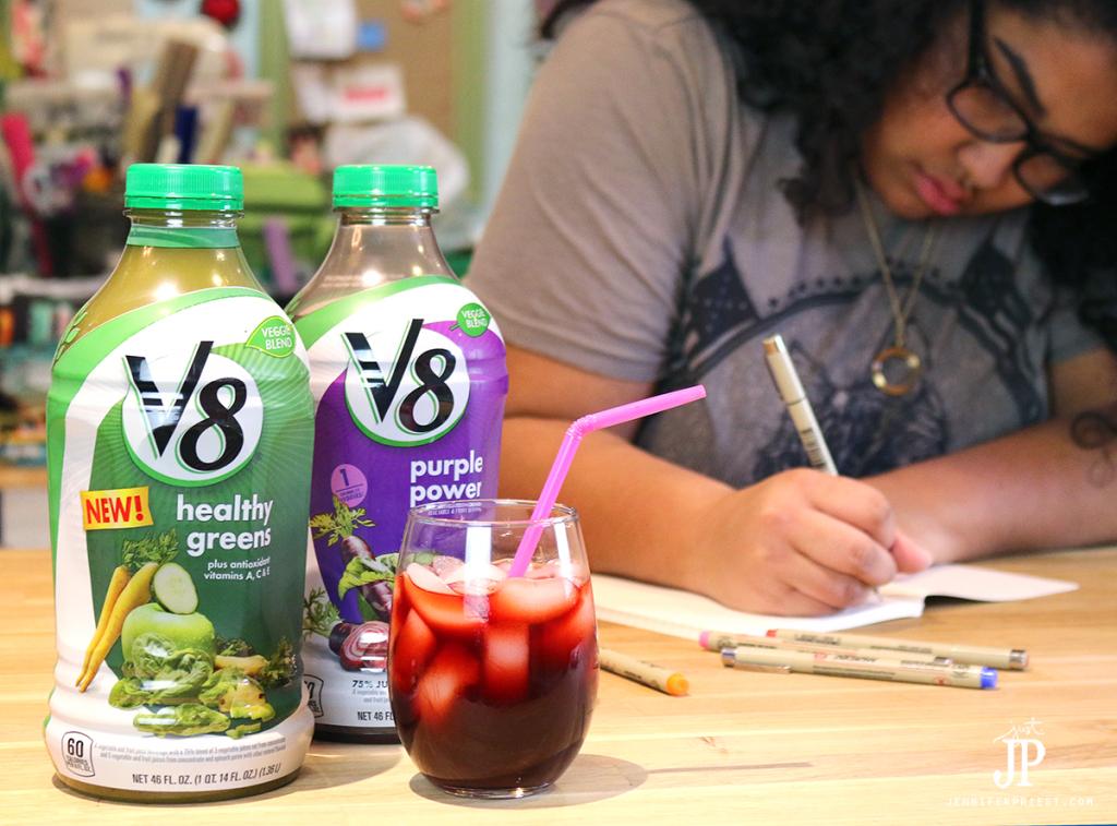 V8-Veggie-Blends-as-a-healthy-drink-for-after-school