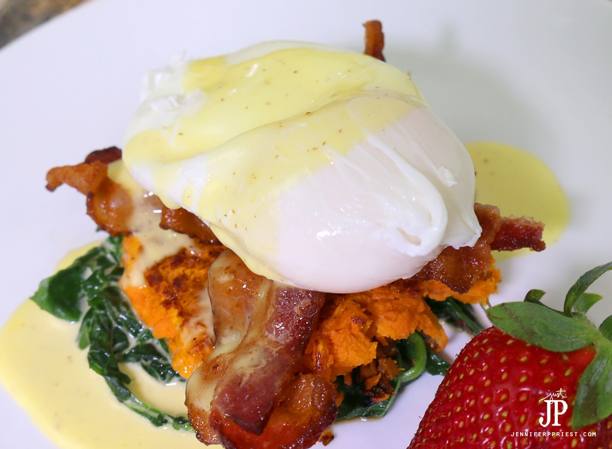 Eggs-benedict-recipe-with-poached-eggs-JustJP
