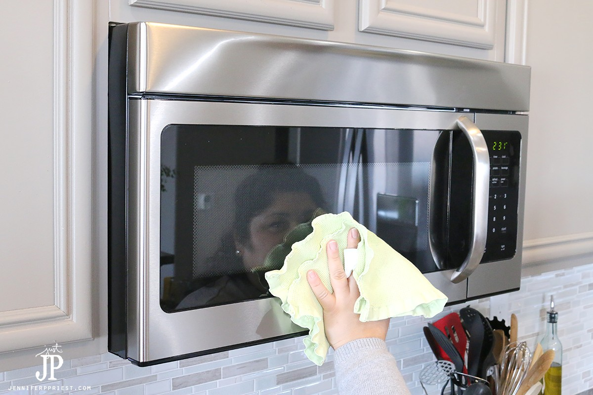 How-to-clean-Stainless-Steel-Kitchen-with-Windex-Jenniferppriest