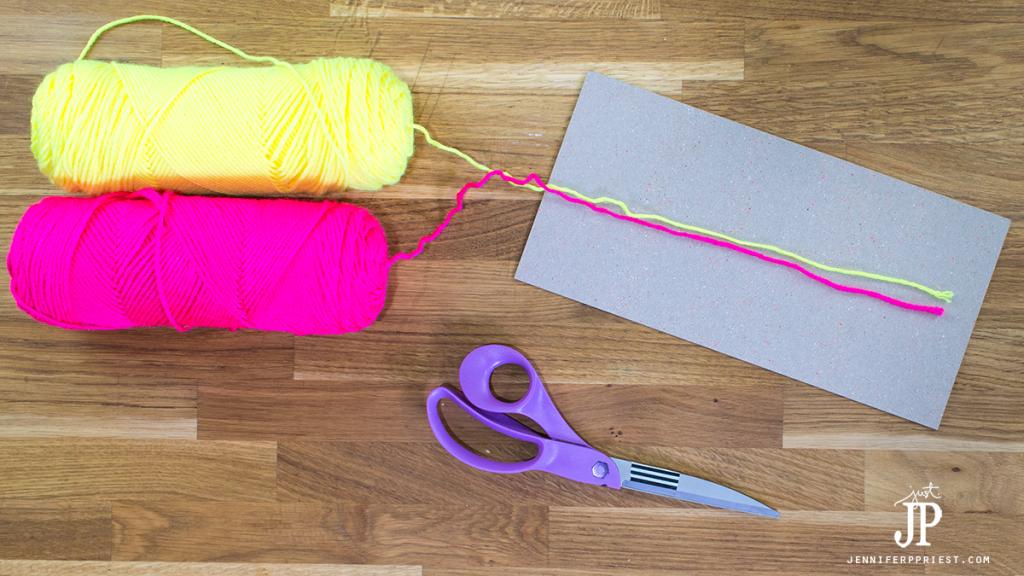 1---How-to-make-a-Yarn-Tassel-jenniferppries