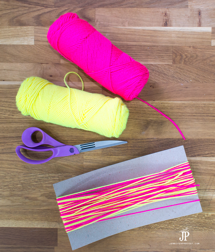 3---How-to-make-a-Yarn-Tassel-jenniferppriest