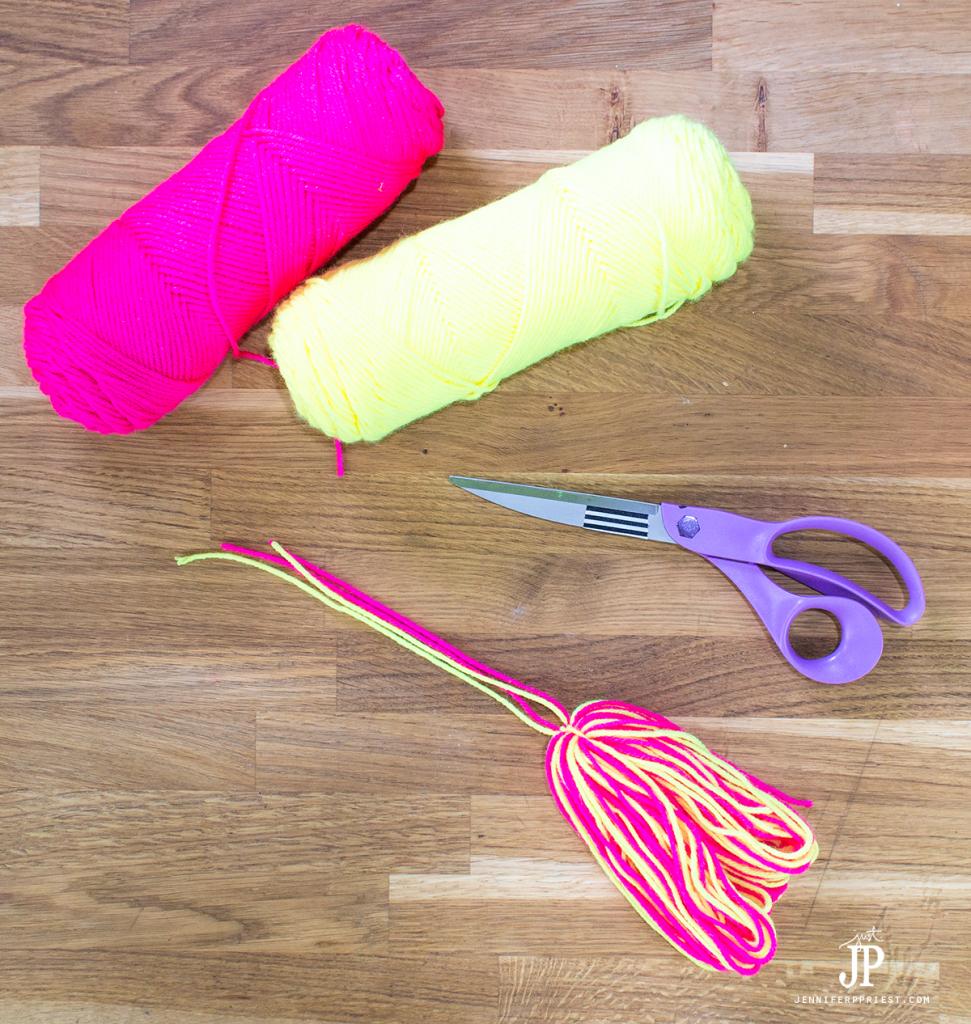 8---How-to-make-a-Yarn-Tassel-jenniferppriest