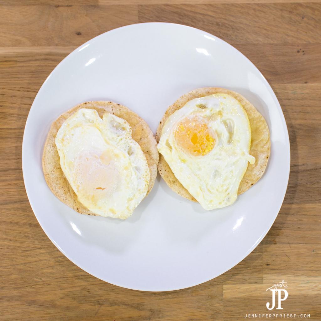 Huevos-Divorciados-Recipes-jenniferppriest-eggs-on-tortillas
