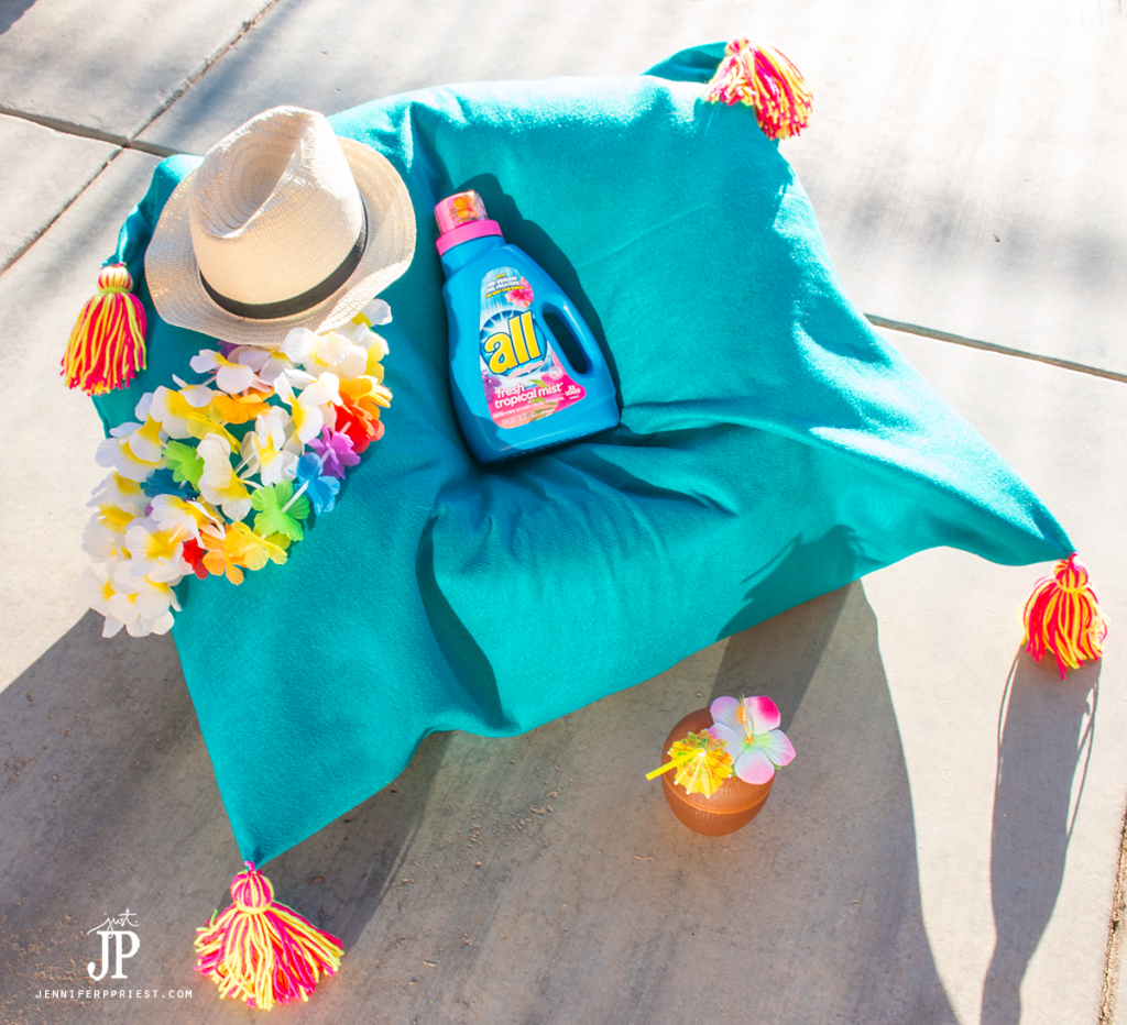 Make a DIY Bean Bag cover that you can wash, using felt! Wash it in NEW all Tropical Mist detergent for a tropical experience!
