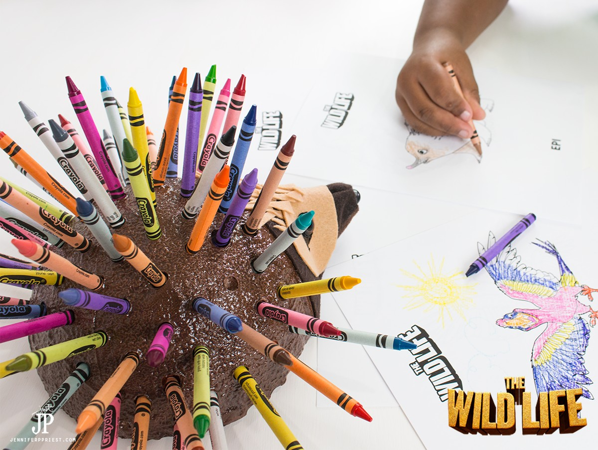 Coloring-with-DIY-Crayon-Holder-The-Wild-Life-movie-jenniferppriest