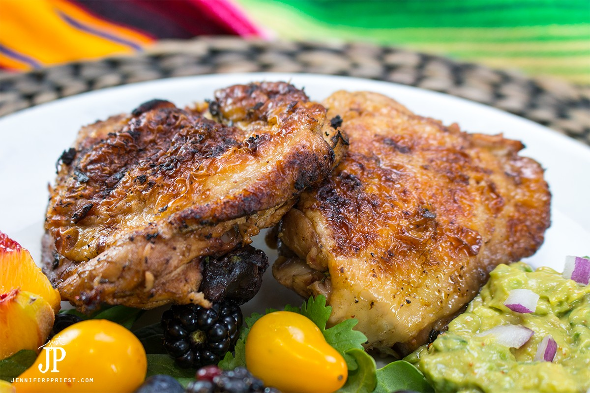 Lime marinated chicken for chicken burrito bowls! Chicken burrito bowl recipe - make it at home! Healthy burrito bowl PLUS creamy guacamole that you don't have to to pay EXTRA for!