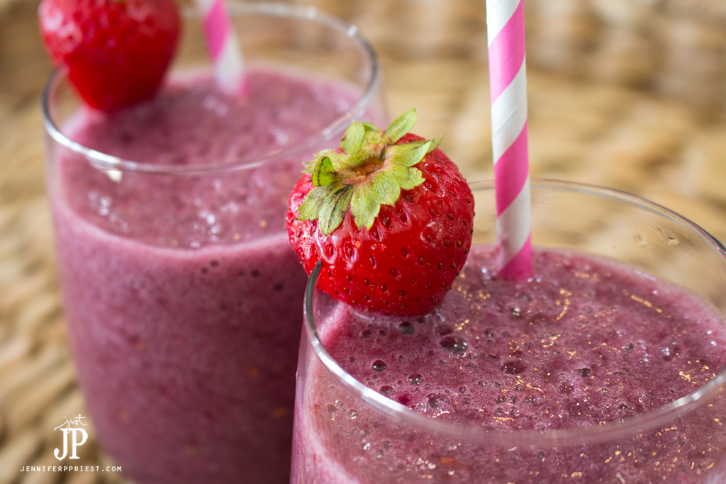 banana-berry-smoothie-recipe-with-emergen-c-drink-jenniferppriest