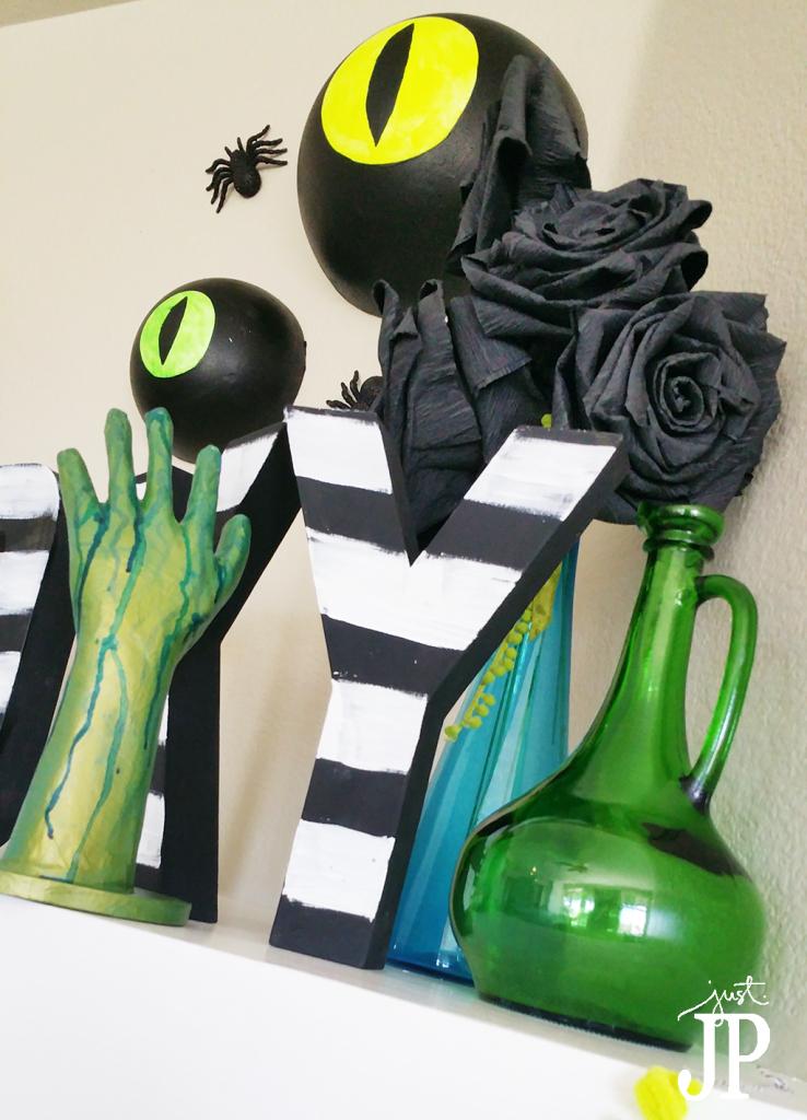Beetlejuice-Halloween-Mantle-Darice-JPriest