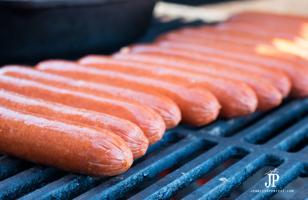 Grilled-Hot-Dogs-Mexican-Chili-Dogs-HERDEZ-Salsa-jenniferppriest