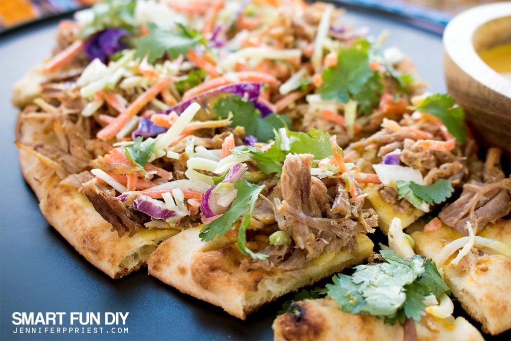 Homemade PULLED PORK Flatbread recipe - combine pulled pork with Stonefire Authentic Flatbreads​ Naan for a delish crunchy snackable GAME DAY treat!