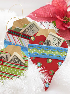 120 Creative Ways To Give Gift Cards Money Gifts #2: 120 Creative Ways To Give Gift Cards And Money Smart Fun DIY tcardsideas christmasideas 73 resize=300,400&ssl=1