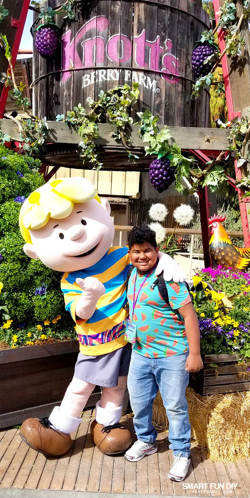 Kid photo with Schroeder at Knott's Berry Farm